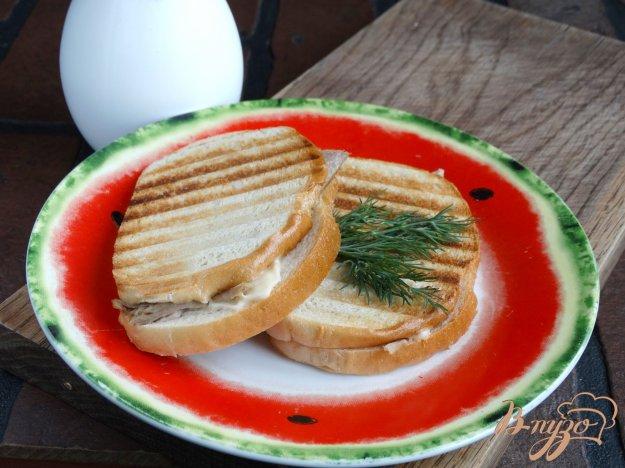 фото рецепта: Гриль-сендвич с индейкой