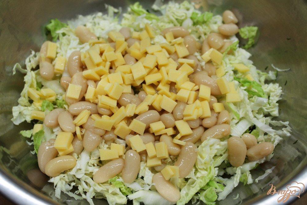 салат из пекинской капусты с курицей и фасолью