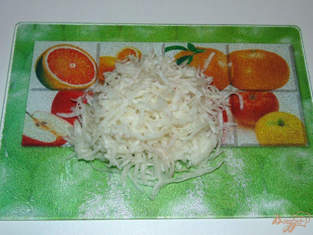 Фото приготовление рецепта: Салат Белочка шаг №3