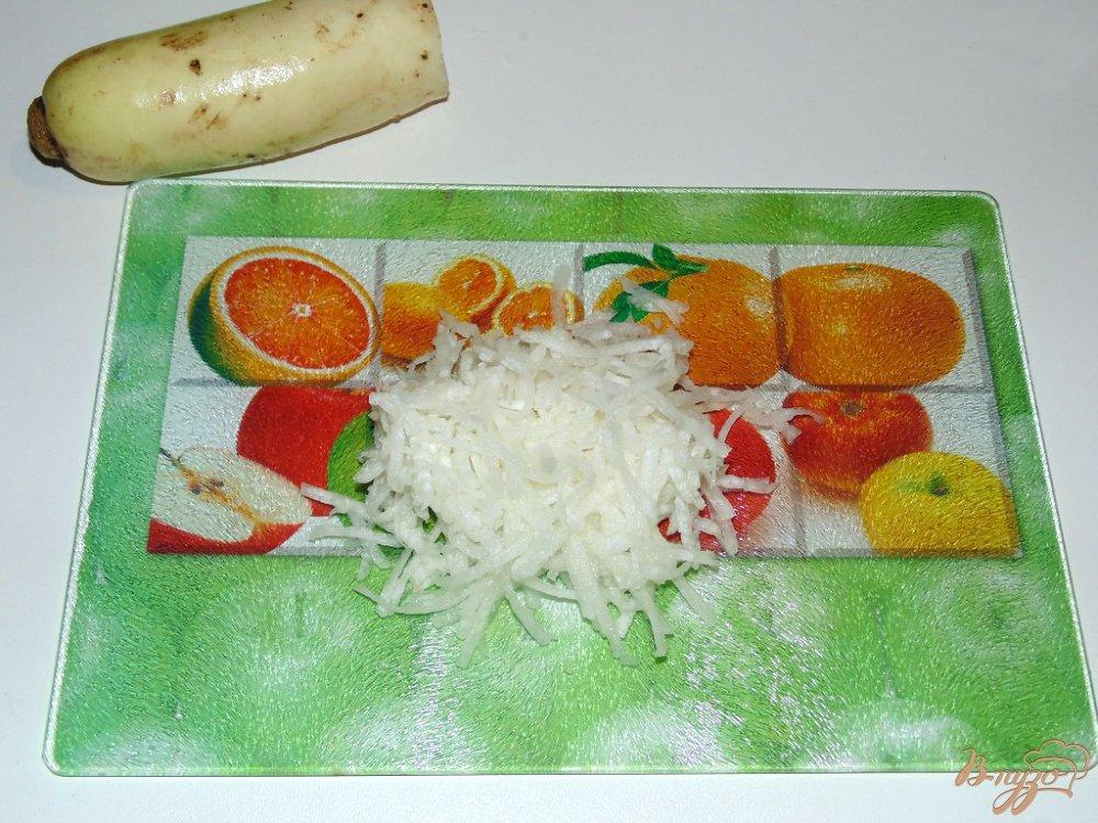 Фото приготовление рецепта: Салат Белочка шаг №2