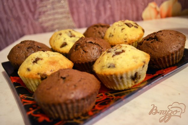 фото рецепта: Маффины с кусочками шоколада