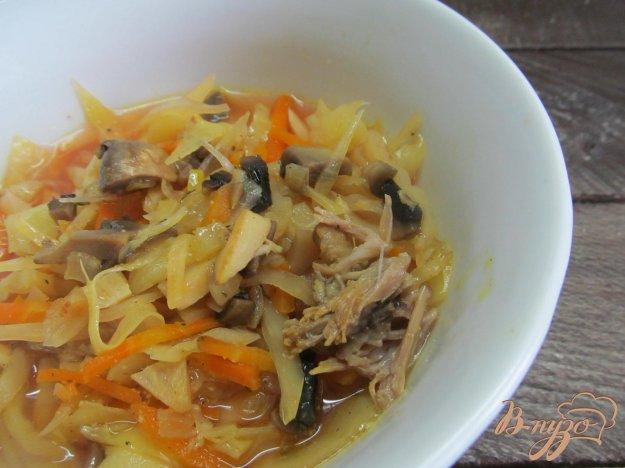 фото рецепта: Щи с грибами и сельдереем