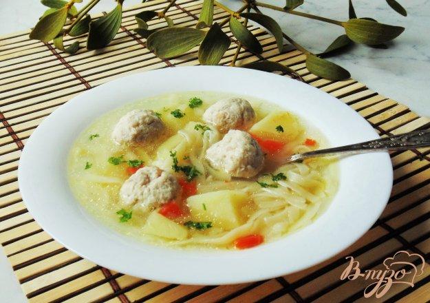 фото рецепта: Суп с фрикадельками и лапшой