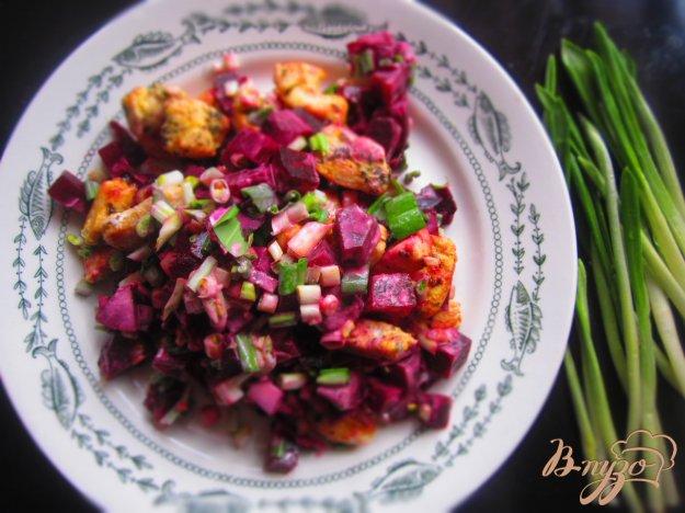 фото рецепта: Салат с черемшой и курицей