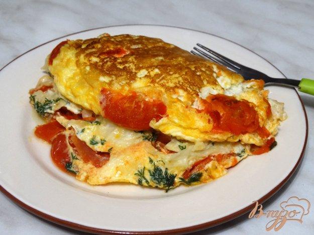 фото рецепта: Омлет с лавашом и помидорами в мультиварке