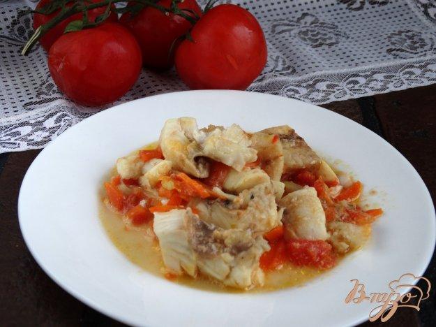 фото рецепта: Рыба тушеная с овощами в сковороде