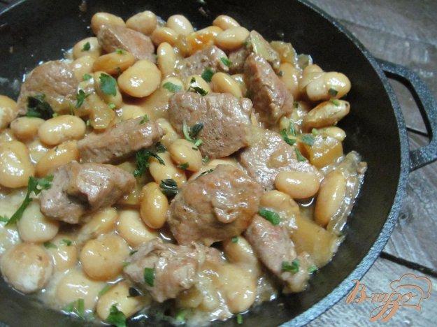 фото рецепта: Свинина с белой фасолью и перцем