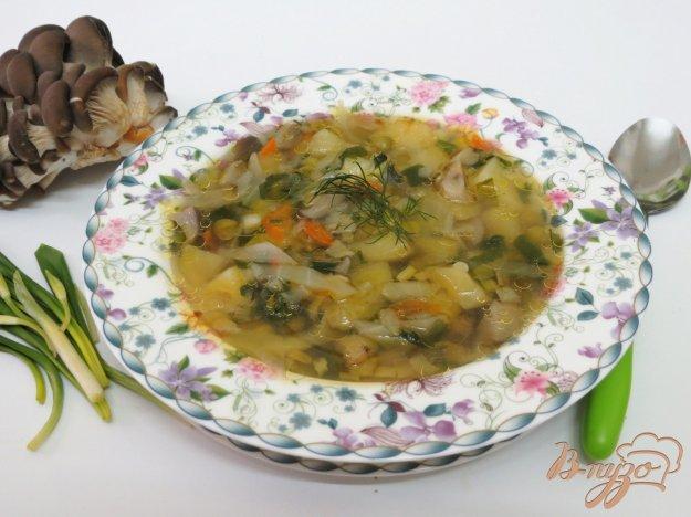 фото рецепта: Суп с грибами, горошком и черемшой
