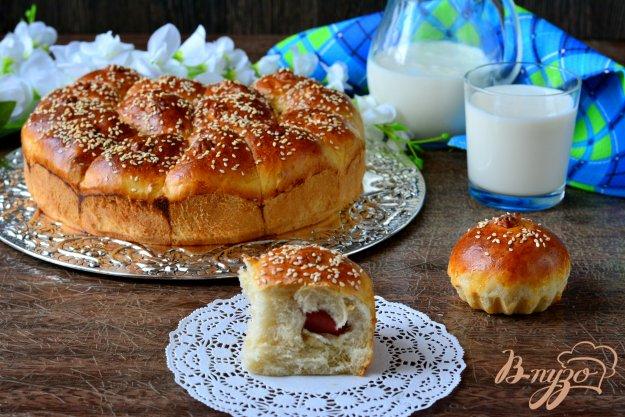 фото рецепта: Неополитанский пирог с сосисками