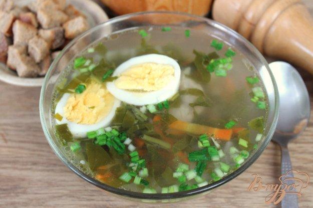 фото рецепта: Зеленый борщ со щавелем и черемшой