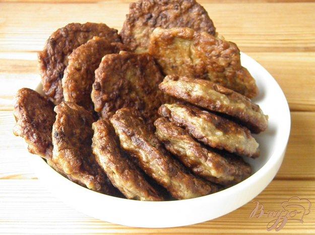 фото рецепта: Печеночные котлетки с рисом