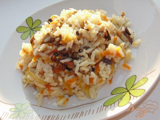 фото рецепта: Рис с шампиньонами и овощами