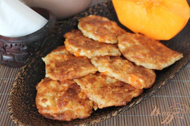 фото рецепта: Сырники с тыквой в духовке