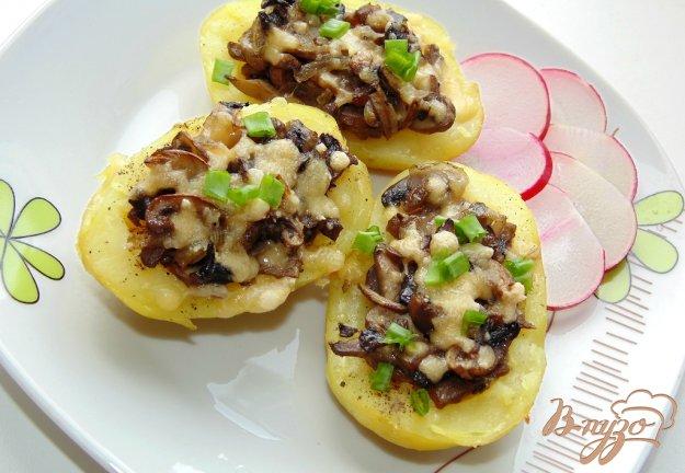 фото рецепта: Картофель фаршированный шампиньонами