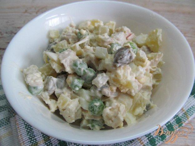 фото рецепта: Салат с каперсами куриным мясом и яйцом