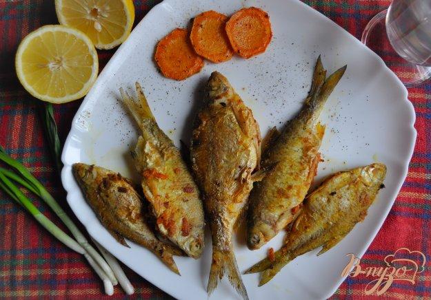 фото рецепта: Жареный лещ с морковной начинкой