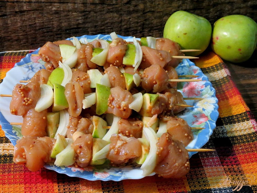 Шашлычки из куриного филе с яблоком в духовке  Кулинарные