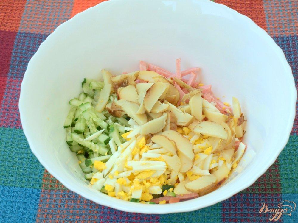 Салат из огурцов яиц картошки и колбасы