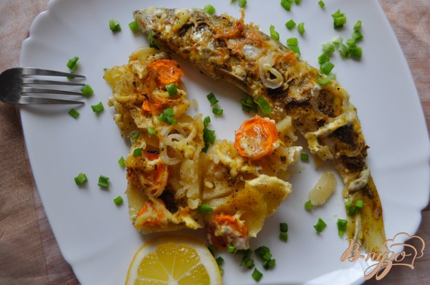 фото рецепта: Судак запеченный с картофелем
