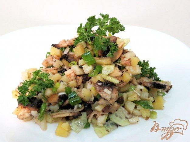 фото рецепта: Картофельный салат с шампиньонами и огурцами