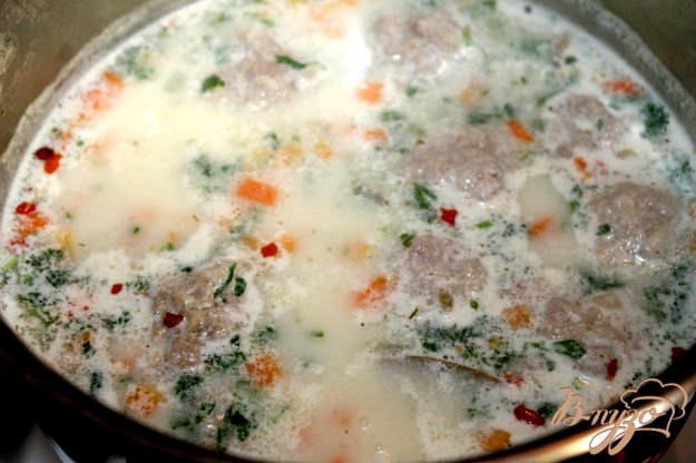 фото рецепта: Овощной сливочный суп с мясными фрикадельками