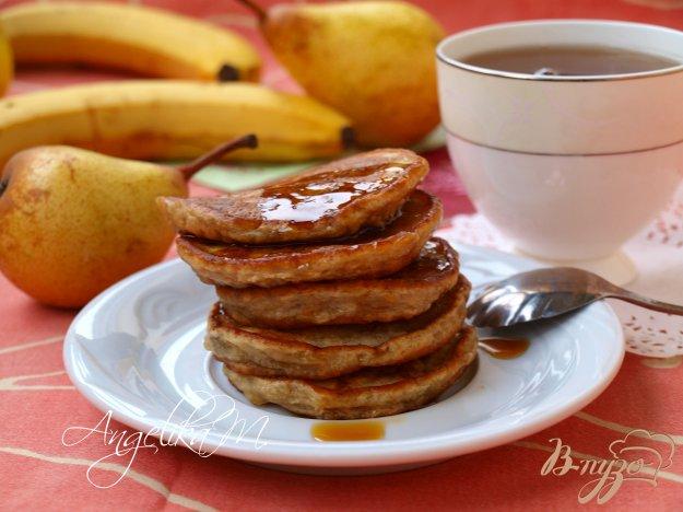 фото рецепта: Бананово-грушёвые оладушки