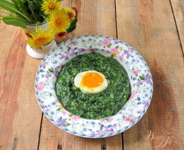 фото рецепта: Шпинат с яйцами