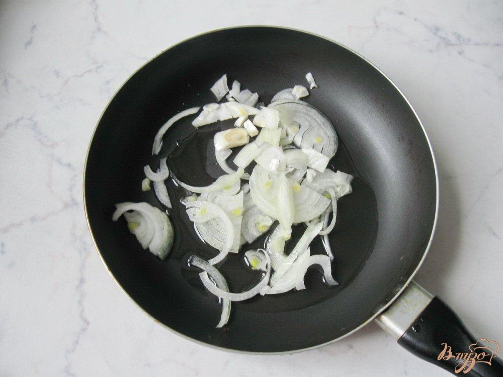 Фото приготовление рецепта: Бефстроганов из свиной печени шаг №3