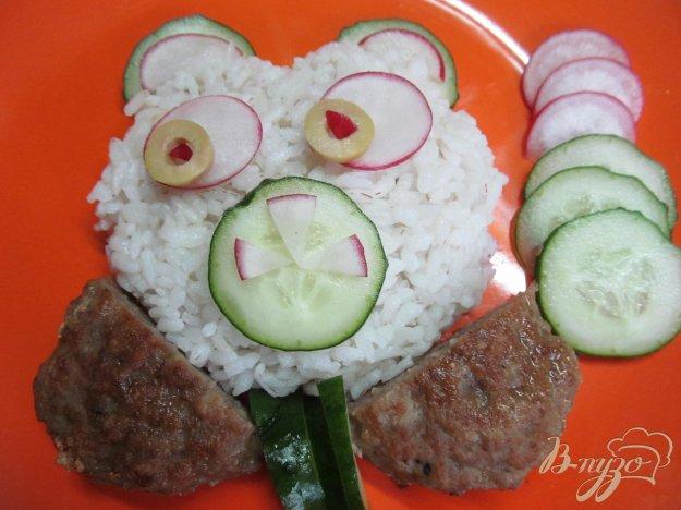 фото рецепта: Блюдо для детей из риса с котлетой