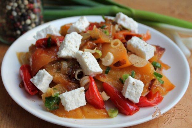 фото рецепта: Болгарский перец с чесноком и брынзой