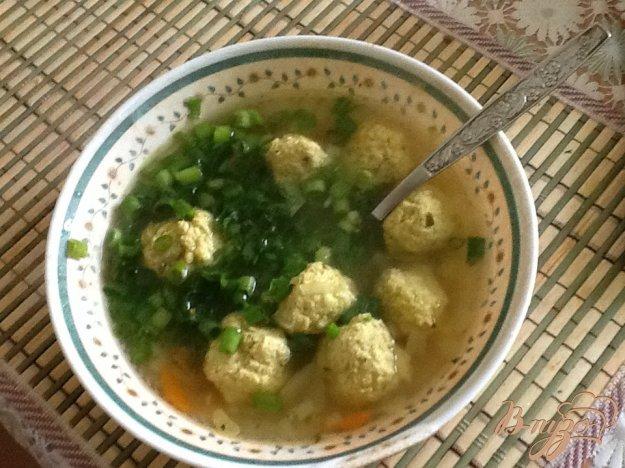 фото рецепта: Суп с фрикадельками и цельнозерновыми макаронами