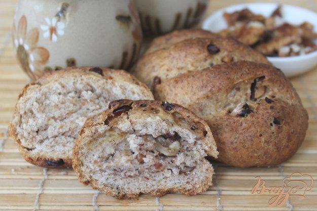 фото рецепта: Булочки со ржаными отрубями и грецкими орехами