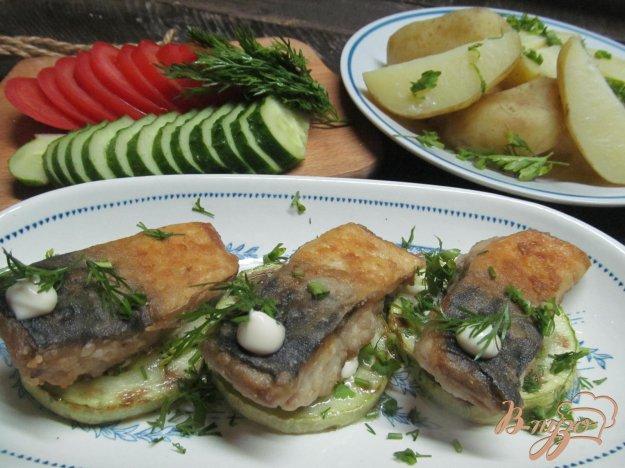 фото рецепта: Скумбрия с кабачком