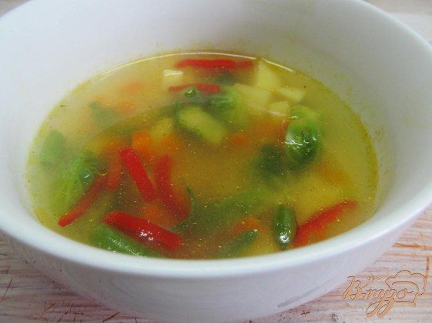 фото рецепта: Суп с брюссельской капустой и вермишелью