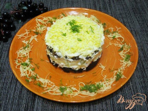 Салат слоеный из чернослива с фото