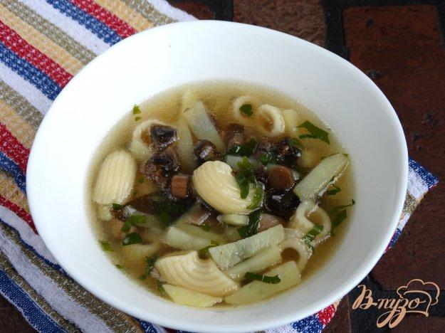 фото рецепта: Грибной суп на бульоне из копченостей