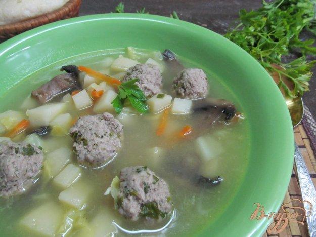 фото рецепта: Суп с молодой капустой и фрикадельками