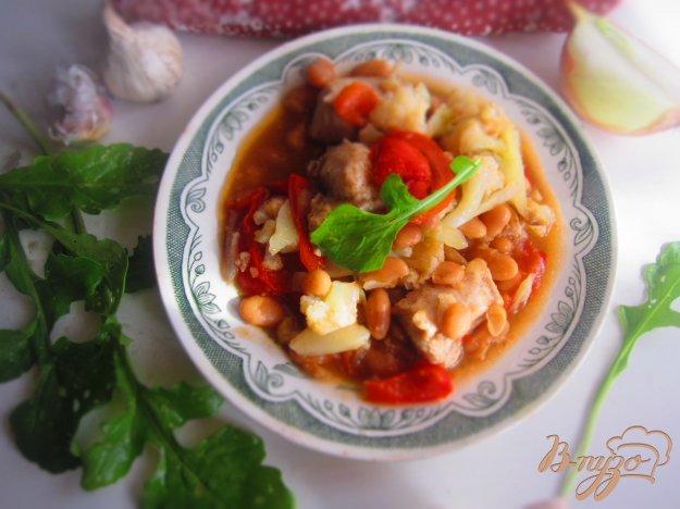 фото рецепта: Курица с овощами и фасолью в томате в мультиварке