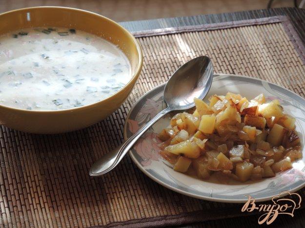 фото рецепта: Окрошка с жареной картошкой