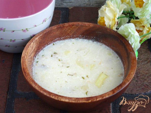 фото рецепта: Сырный суп с кабачком и макаронами
