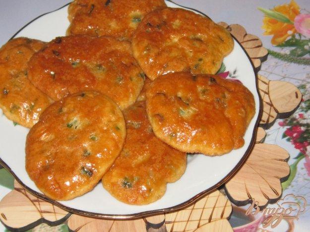 фото рецепта: Оладьи из икры толстолобика с зеленым луком