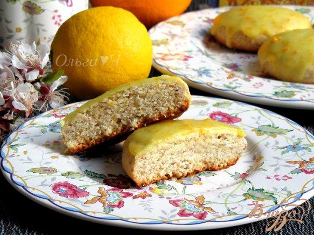 фото рецепта: Лимонные сконы с миндалем в апельсиновой глазури