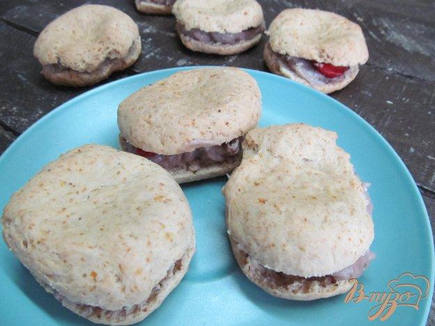 фото рецепта: Клубничное печенье с начинкой
