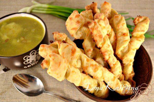 фото рецепта: Сырные палочки к супу