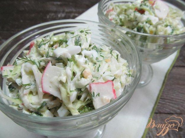 фото рецепта: Салат из крабовых палочек с редькой