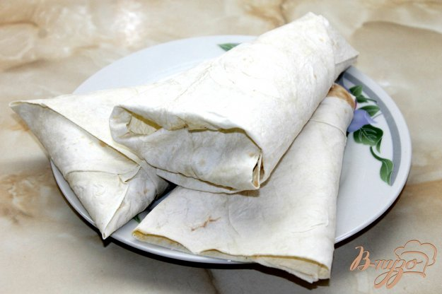 фото рецепта: Лаваш с курицей  и жаренными овощами