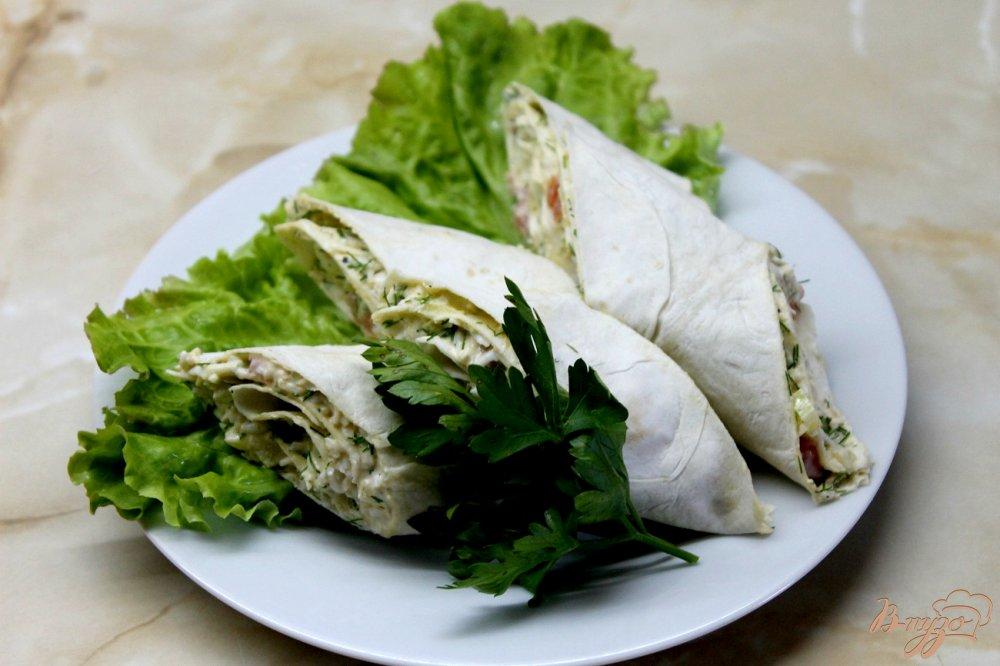 Лаваш с яйцом и зеленью и сыром