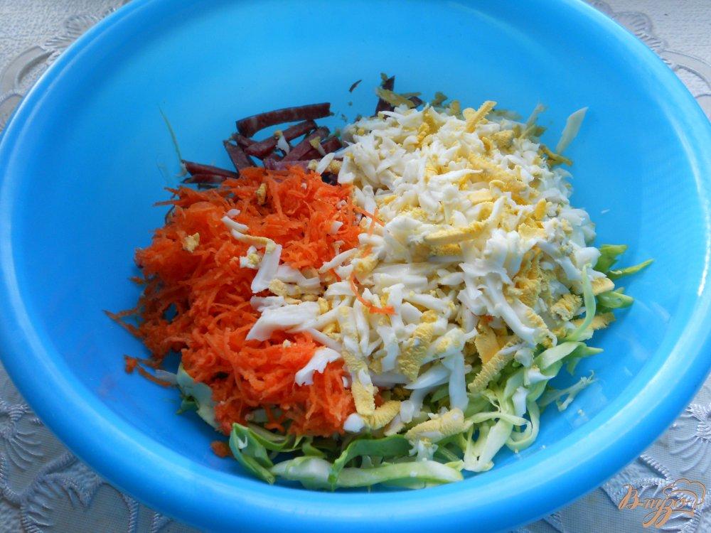 Салат из капусты горошек колбаса