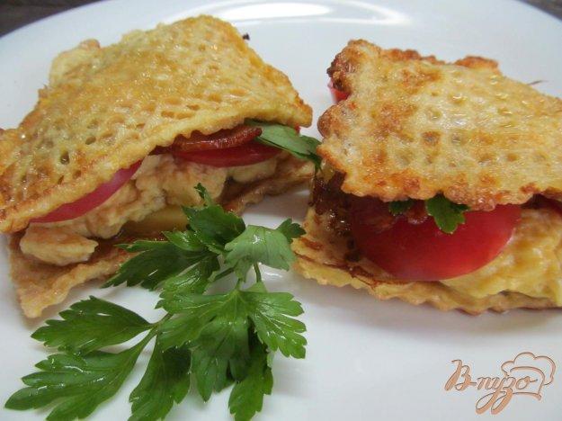 фото рецепта: Вафельный сэндвич