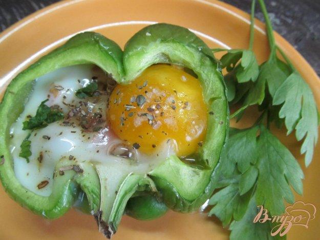 фото рецепта: Перец фаршированный сыром и яйцом